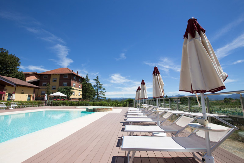 Tenuta-Montebello-piscina